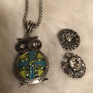 Ginger Snaps Owl necklace & 3 charms